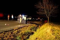 Těla zraněných korejských dívek byla rozházena po silnici. Jejich rozmístění policisté podrobně zaznamenávali.