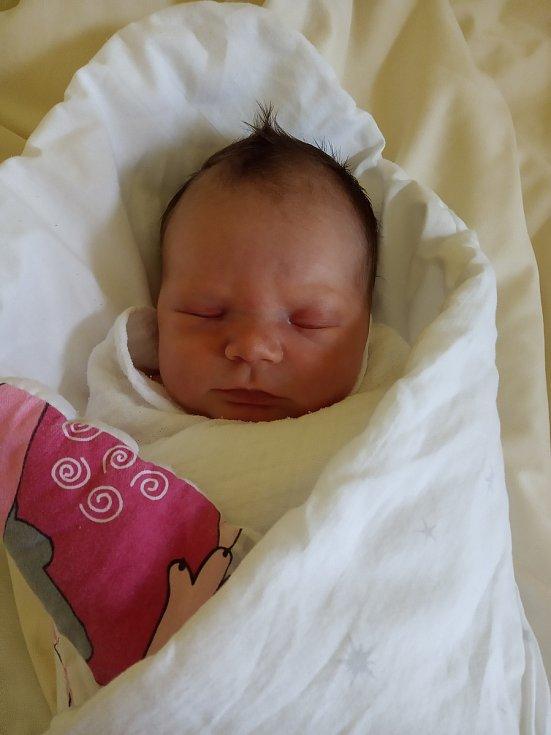 Emma Střihavková se manželům Veronice a Milanovi narodila v benešovské nemocnici 11.března 2021 v 7.10 hodin, vážila 3060 gramů. Rodina bydlí v Olbramovicích.