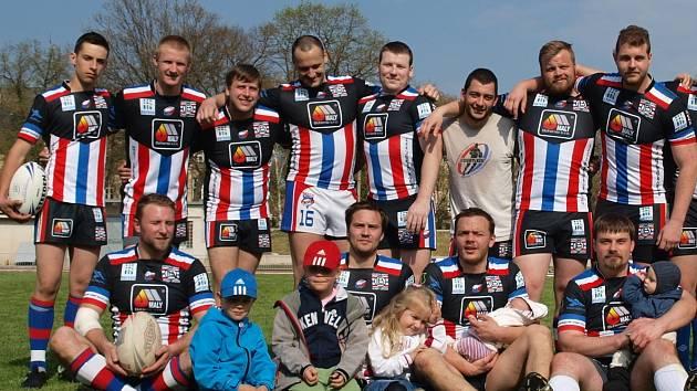 Část týmu berounských rugbistů.