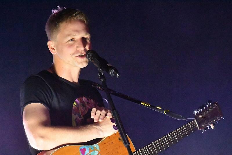 Z koncertu písničkáře Tomáše Kluse v  Kulturním domě Plzeňka v Berouně.
