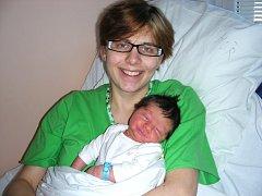 Manželům Lence a Jakubovi Vyhnálkovým z Řevnic se 15. února 2014 narodil druhý syn a rodiče mu dali jméno Václav Hugo. Chlapeček vážil po porodu pěkných 3,82 kg a měřil 51 cm. Venda bude vyrůstat s bráškou Prokopem (2) a je nejkrásnějším dárkem pro strejd