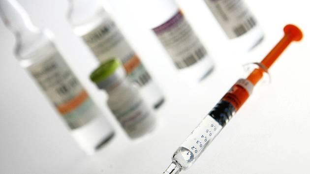 Očkování proti rakovině děložního čípku využívá málo žen. - Ilustrační foto.
