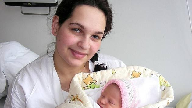 V neděli 24. ledna se mohla maminka Ivana Votíková prvně pomazlit se svojí dceruškou Eliškou, která přišla na svět s váhou 2,93 kg a mírou 48 cm. Tatínek Miroslav Bajer si prvorozenou dcerku a maminku odveze z porodnice domů do Zadní Třebaně.