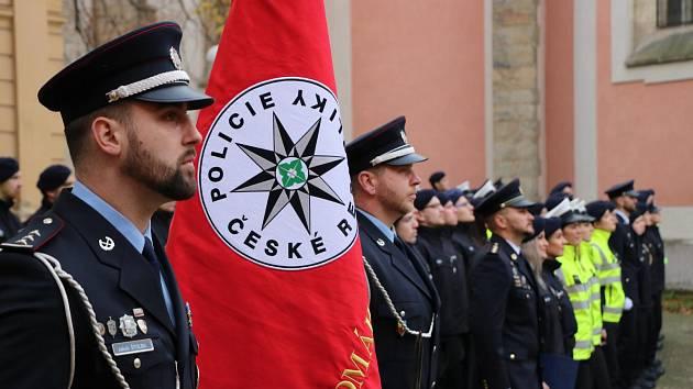 Slib složilo 74 nováčků, kteří nastoupí ke středočeské policii.