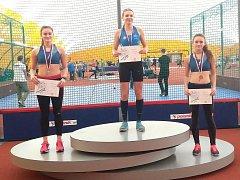 Dorostenky Adéla Kupková a Kateřina Dondová braly medaile za 60 metrů.