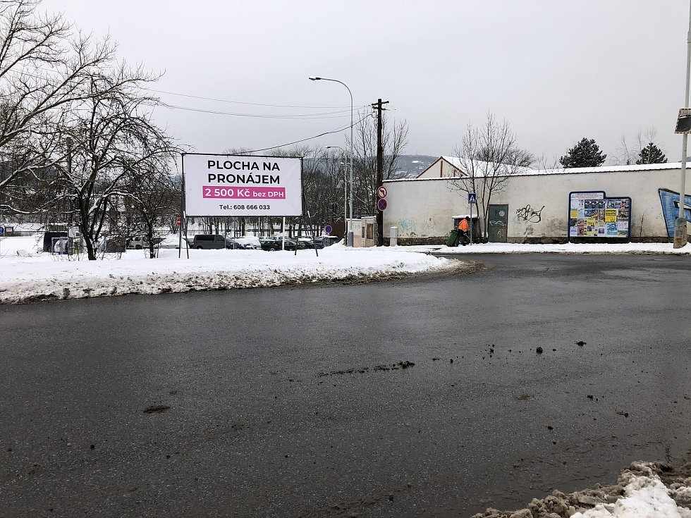 Billboard u výjezdu z parkoviště na Václavském náměstí