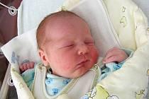 Lucii Krasanovské byl na porodním sále velkou oporou manžel Vladimír, který si příchod svého prvorozeného syna Toníčka na svět ve středu 25. srpna nenechal ujít. Po narození Antonín vážil 3,32 kg a měřil 48 cm. Domov má rodinka v Bezdědicích.