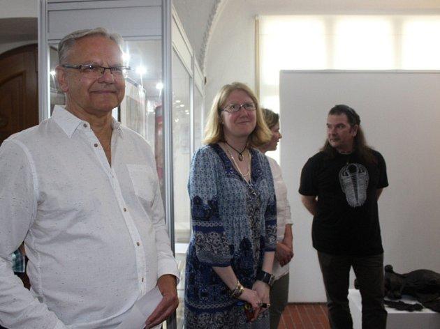 V Muzeu Českého krasu v Berouně se otevřela nová výstava, která je věnována fotografii a hudbě.
