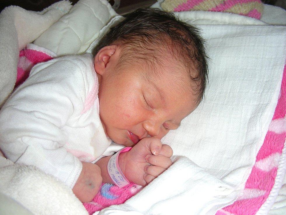 Manželům Tatianě a Ionovi Tapu se 22. června narodilo první miminko, dcerka Ionela. Ionele sestřičky na porodním sále navážily 2,70 kg a naměřily 48 cm. Domov má novopečená rodinka v Králově Dvoře.