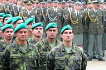 Do Hořovic se mohou nastěhovat desítky vojáků. Ilustrační foto.
