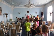 Za památkami v Berouně vyrazily děti ze závodské školní družiny.