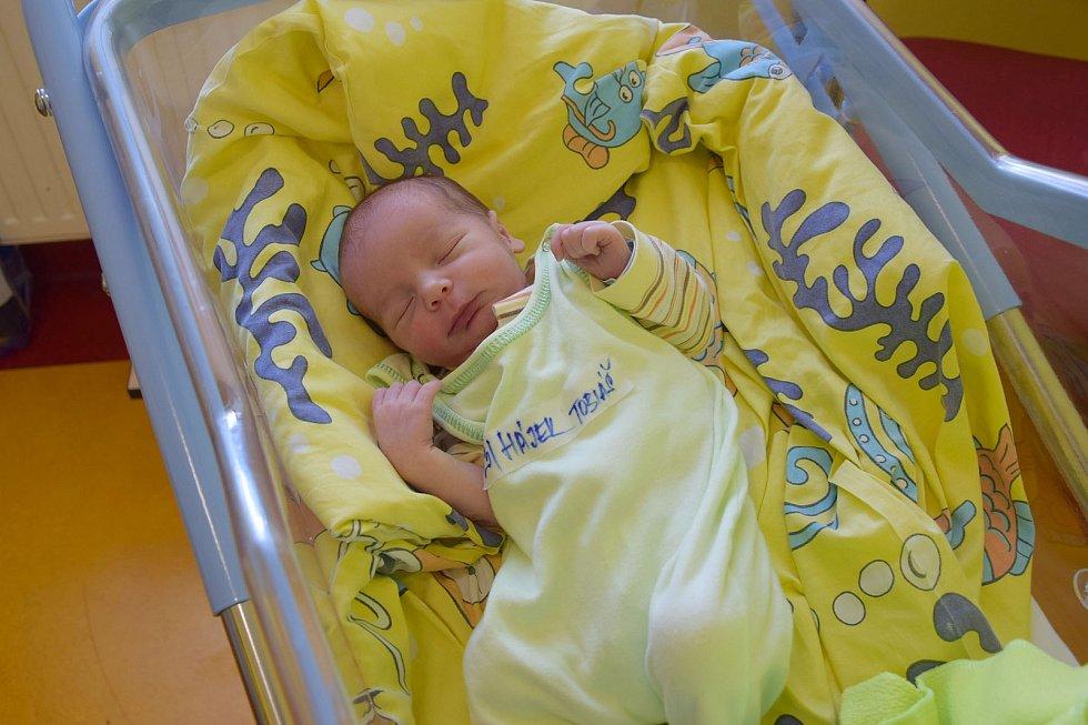 Tobiáš Hájek se Kateřině Pokorné a Pavlu Hájkovi narodil v benešovské nemocnici 9. července 2021 v 8.23 hodin, vážil 3150 gramů. Doma ve Vlašimi na něj čekal bratr Šimonek (4).