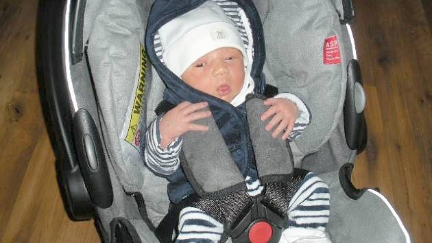 Pro rodiče Kláru Zapletalovou a Petra Kuvíka z Prahy, je dcerka Lucinka, která se narodila v úterý 31. 3. nejkrásnější, nejšikovnější, prostě nej miminko. Po příchodu na svět vážila Lucinka 3,08 kg  a měřila 49 cm.