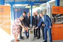 Ze slavnostního zahájení rekonstrukce nádražních budov v Berouně.