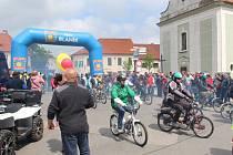 Žebráčtí mopedisté pořádali tradiční spanilou jízdu.