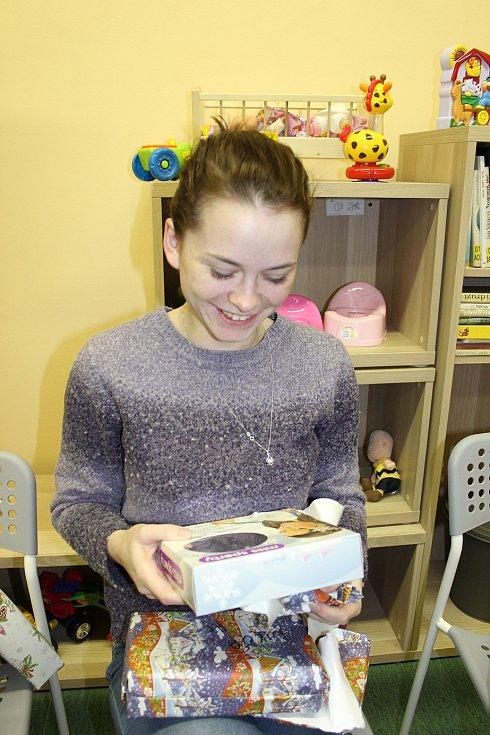 Čtenáři a Berounský deník nadělovali v azylovém domě pro matky s dětmi