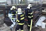 Hořelo v sedmnáct metrů dlouhém plastovém kabelovém kanálu (kabelovodu) o průměru 1,6 metru, který byl čtyři metry pod úrovní okolního terénu.