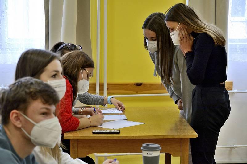 Studentské volby na Obchodní akademii a Střední pedagogické škole v Berouně.