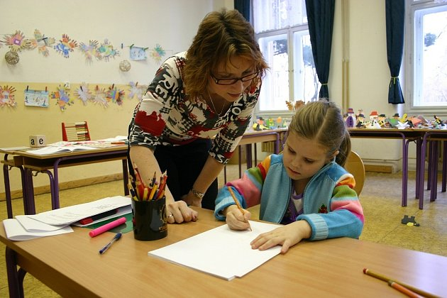Budoucí prvňáčci přišli k zápisu do berounských základních škol plni očekávání. Jejich úkolem bylo předvést základní znalosti a dovednosti, za které dostali zajímavý dárek
