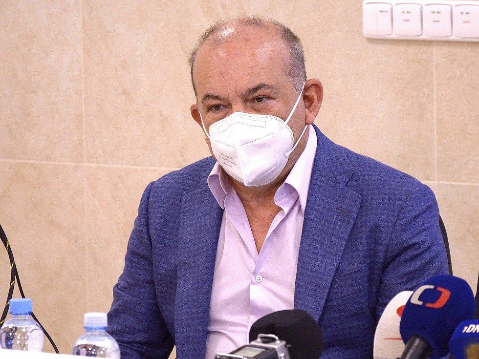 Majitel holdingu Akeso Sotirios Zavalianis.