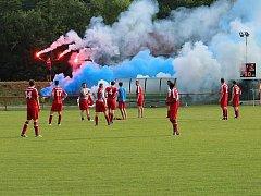Karlštejnští fotbalisté se o úspěšnou sezonu v okresním přeboru podělili s fanoušky.