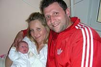 Prvorozenou dcerku Annabel Sivákovou přivedli společně na svět rodiče Zuzka a Jirka ze Zvole u Prahy 13. května. Annabel vážila po porodu 2,89 kg a měřila 49 cm. Sestřičku bude dětským světem provázet bráška Filip (13).