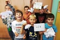 Světový den míru v berounské družině v Závodí.