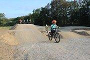 U ČOV Strakonice vyrostl mini bike park. Bikeři dostali parádní dárek.