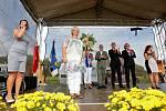 Čejetice usilovaly o titul Jihočeské vesnice roku pět let. Místní lidé si život v Čejeticích chválí. Velkou měrou za to prý může starostka Ivana Zelenková, protože se prý skutečně stará.