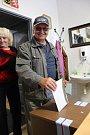 Volební účast čekají v Paračově kolem osmdesáti procent.