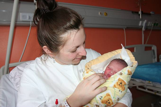 První letošní vánoční miminko přišlo na svět ve strakonické porodnici  na Boží hod vánoční. Jmenuje se Elena Kvěchová a  je z Velkých Hydčic.