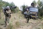 Téměř 300 strakonických vojáků se ve dnech 4. až 15. října zúčastnilo v Boleticích na Českokrumlovsku taktického cvičení. Kromě vojáků zde bylo přítomno skoro 100 hodnotitelů z NATO, kteří vojáky přezkušovali.