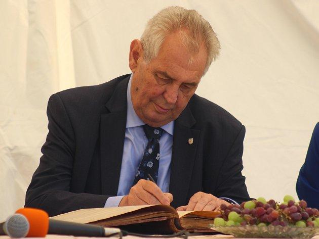 Prezident České republiky Miloš Zeman při návštěvě Jihočeského kraje v červnu 2017.