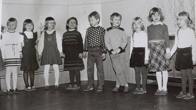 Kdo navštěvoval v některých letech tuto školu a jaký byl vývoj v počtu dětí a v jejím vedení se dozvíte v našem seriálu v pátek 13. dubna.