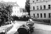 Ulicemi Strakonic projížděla v srpnových dnech roku 1968 nejen auta plná vojáků, ale i další vojenská technika.