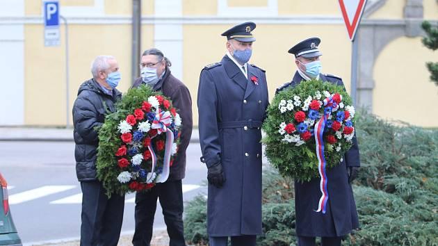 Uctění památky válečných veteránů 11.11.2020 ve Strakonicích.