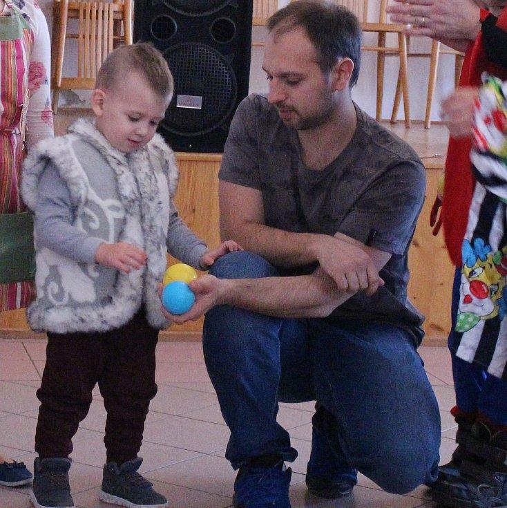 Dětský maškarní bál se konal v neděli 23. února ve skočické hospodě.