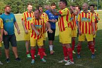Fotbalisté Junioru Strakonice slavili čtvrtý postup v řadě.
