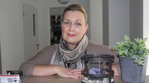 Kadeřnice Michaela Kučerová.