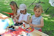 V sobotu 13. června v Rennerových sadech ve Strakonicích byl připraven pro rodiny s dětmi celodenní program plný pohádek, dobrot a tvoření.