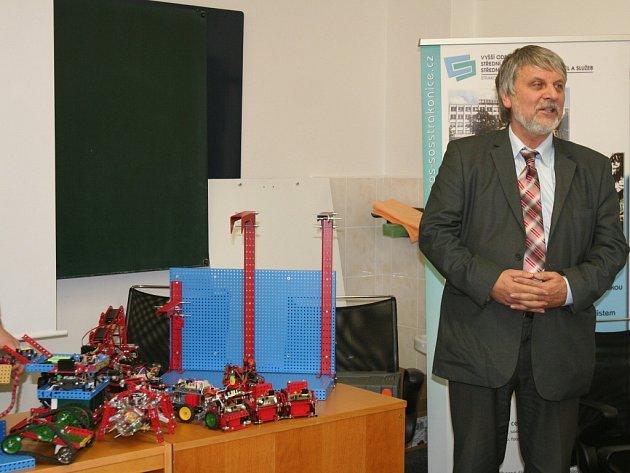 Bývalý pedagog Jaromír Kříž věří, že legendární stavebnice Merkur může pomoci upadající technické vzdělanosti.