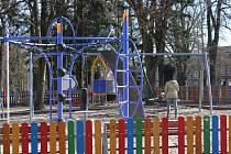 Další z hřišť, které děti navštíví v pátek o letních prázdninách, je v Rennerových sadech.