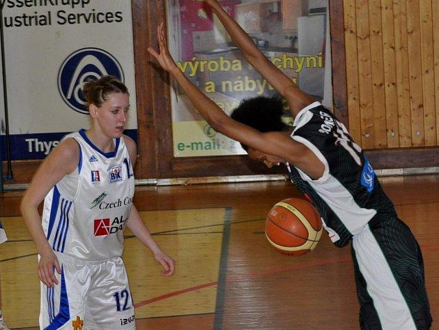 Strakonické basketbalistky podlehly ve 3. čtvrtfinále play off ŽBL Friscu Sika Brno doma 70:109.