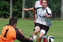 Miroslav Mikeš se výrazně podílel na remíze Lomu v Albrechticích 5:5 v historicky prvním utkání svého týmu v I. B třídě. Vstřelil tři góly.