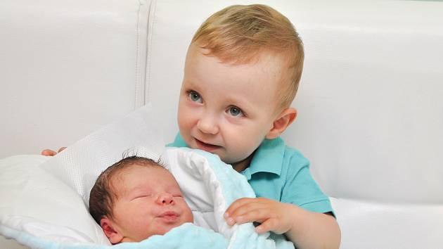 Štěpán Trch z Přechovic. Štěpánek se narodil 20. června 2019 v 8 hodin a 12 minut a jeho porodní váha byla 3620 gramů. Roční Jindříšek se těšil na malého brášku.