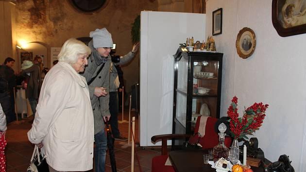 Jak vypadaly Vánoce v domácnostech v jednotlivých obdobích 20. století ukazuje výstava v Kapitulní síni.