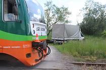 Řidič dodávky nedal přednost vlaku.