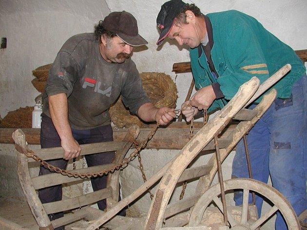 Práce na přípravě muzea ve Volenicích.