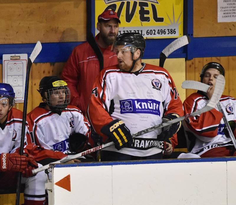 Strakoničtí hokejisté podlehli německému soupeři až na nájezdy.