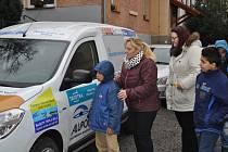 Nový automobil pro Dětský domov ve Volyni